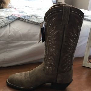 Women's cowgirl boots